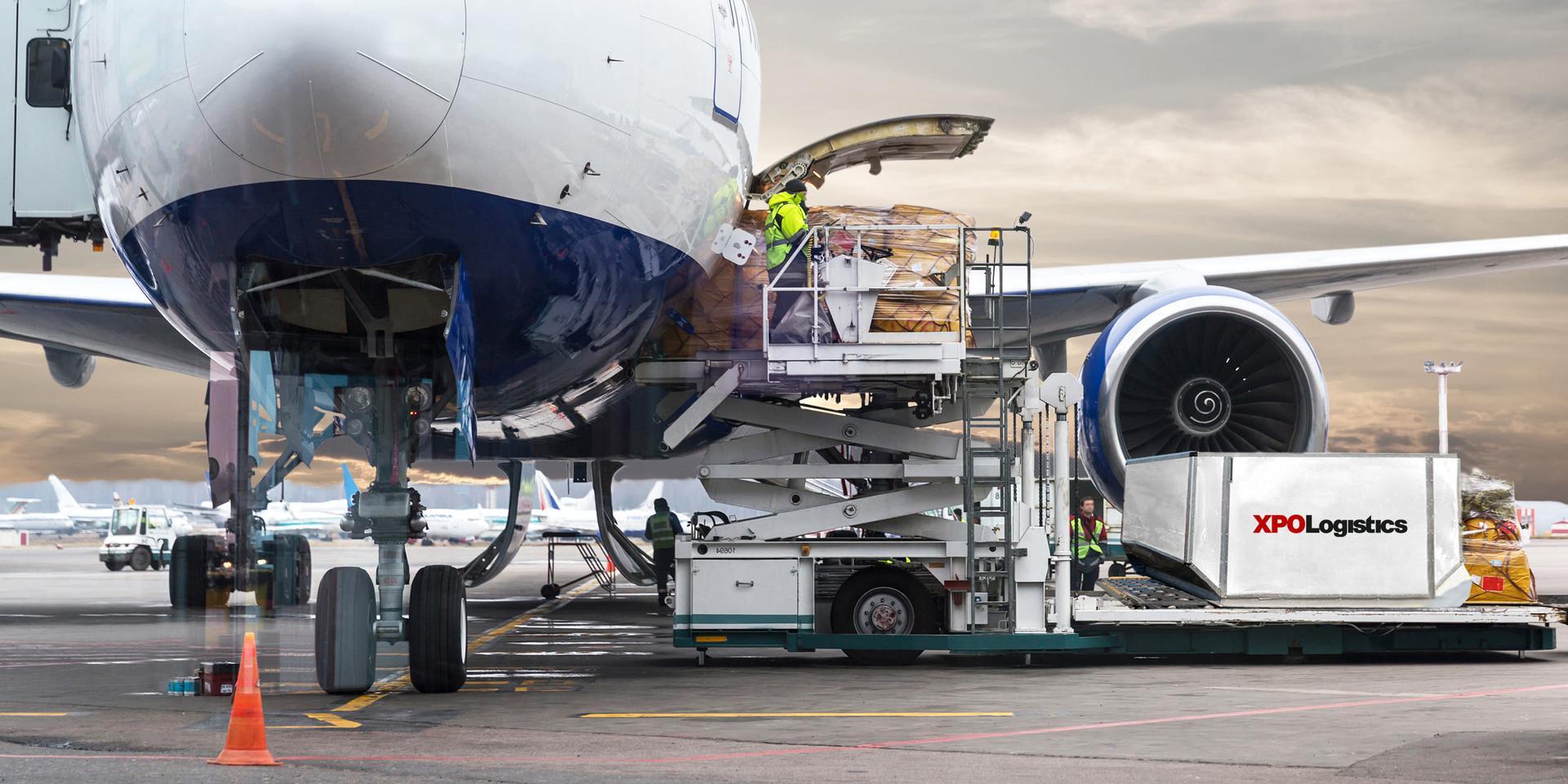 Plane loading XPO cargo