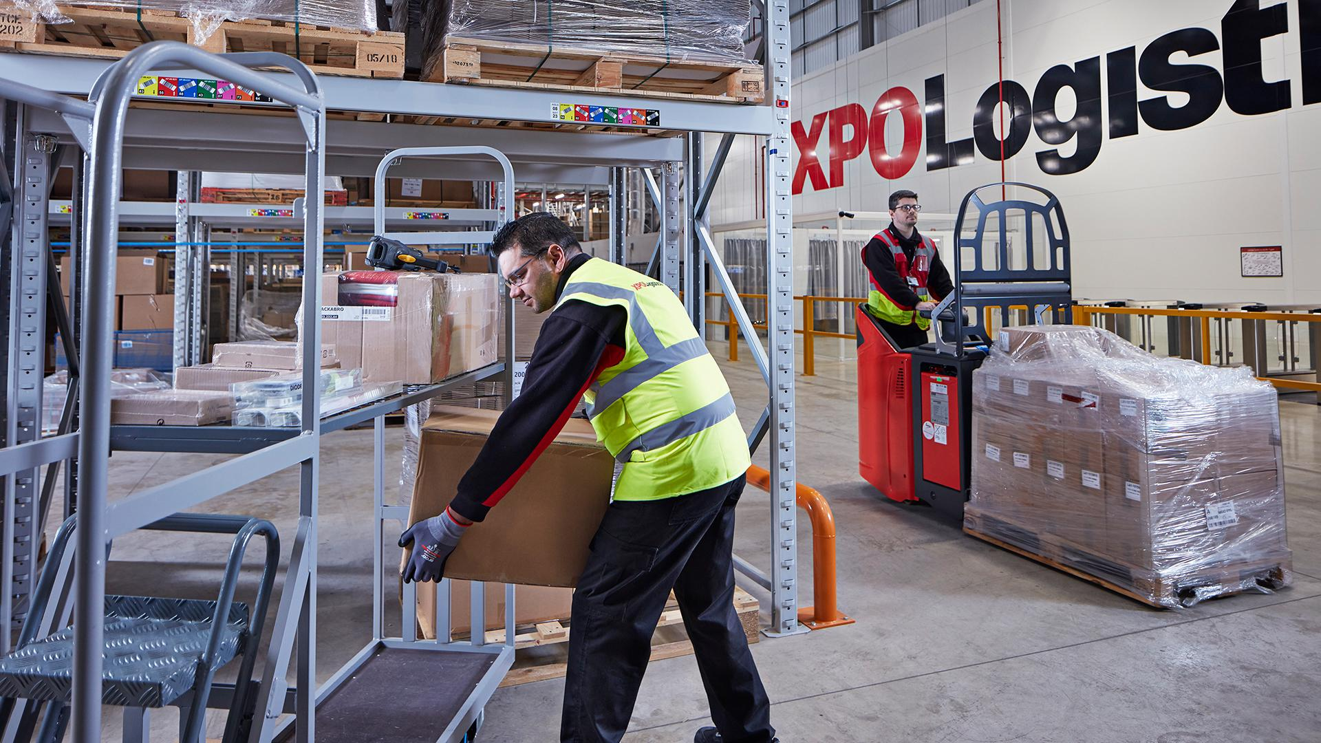 XPO employee in DIY warehouse