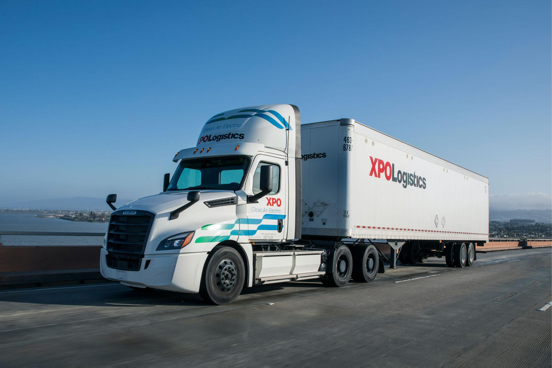 XPO/Daimler Battery-Electric Truck on Road