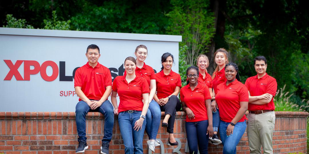 XPO interns in front of our Supply Chain headquarters in High Point, NC
