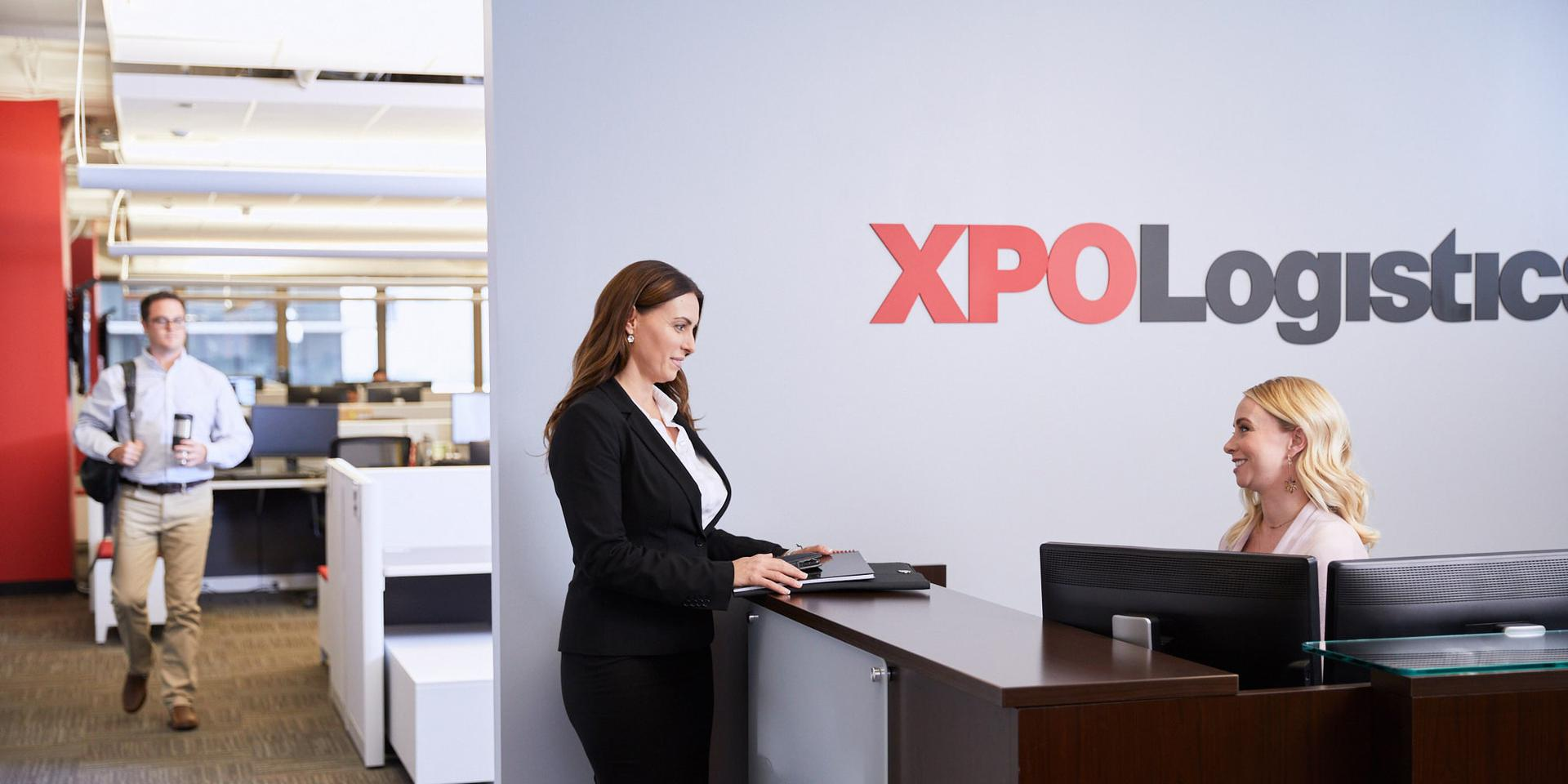 XPO employees standup meeting